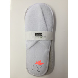 Disposable Closed Toe Non-Woven Hotel Spa Salon Slippers White 20/Pack
